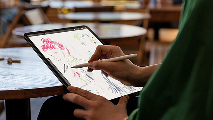 Graphic Designers Benefit from Tablets